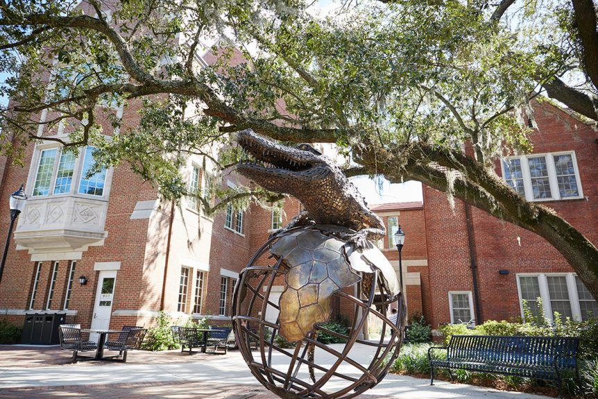 A statue of a gator outside of Warrington College of Business